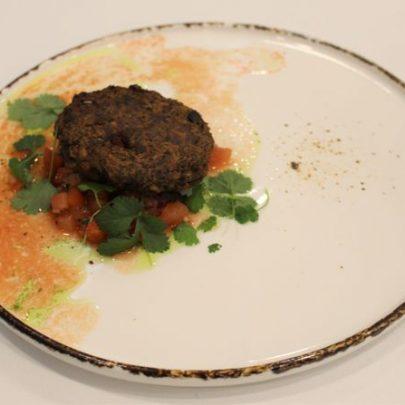 Burger_Soligrano_z_salsa_pomidorowa